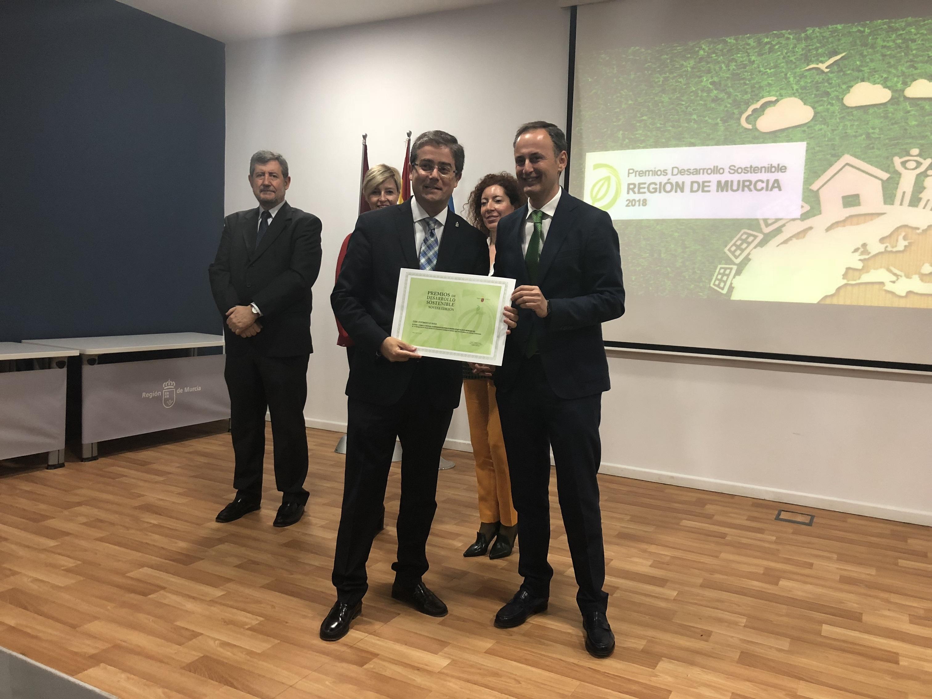 El Ayuntamiento, galardonado con el Premio Desarrollo Sostenible por su estrategia local del vehículo eléctrico y actuaciones en reducción de huella de carbono