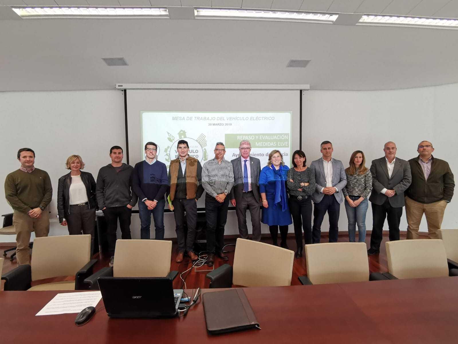 El Ayuntamiento de Murcia celebra una nueva reunión de la Mesa de trabajo del vehículo eléctrico.